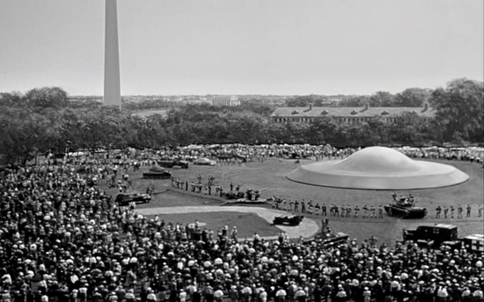 The Day the Earth Stood Still (1951).