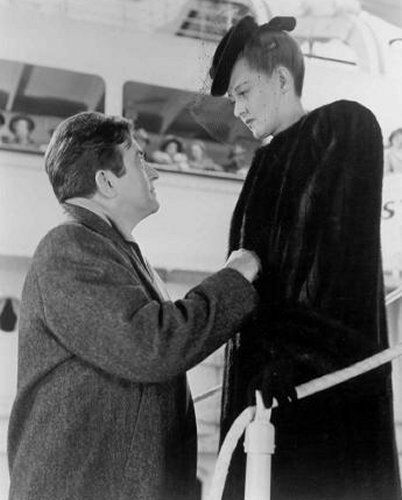 Bette-and-Claude-Rains-in-Now-Voyager-bette-davis-18445855-402-500